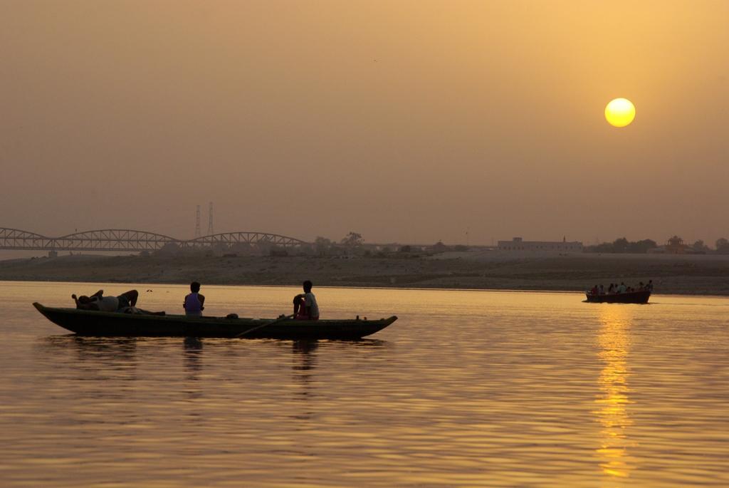 Lever de soleil sur Varanasi