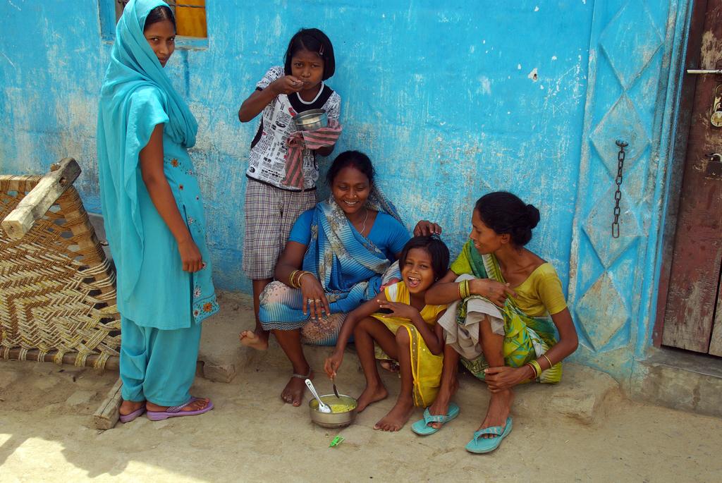 Les murs de certaines habitations de Bodhgaya sont peints de ce superbe bleu