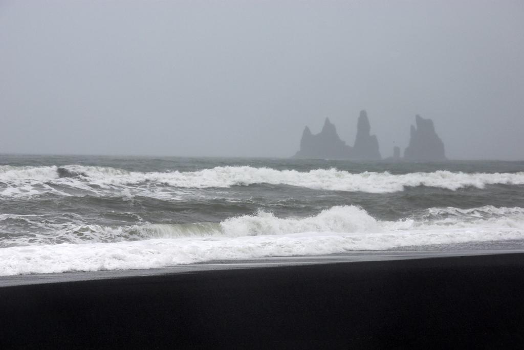 Une plage bien sombre - Vik, Islande