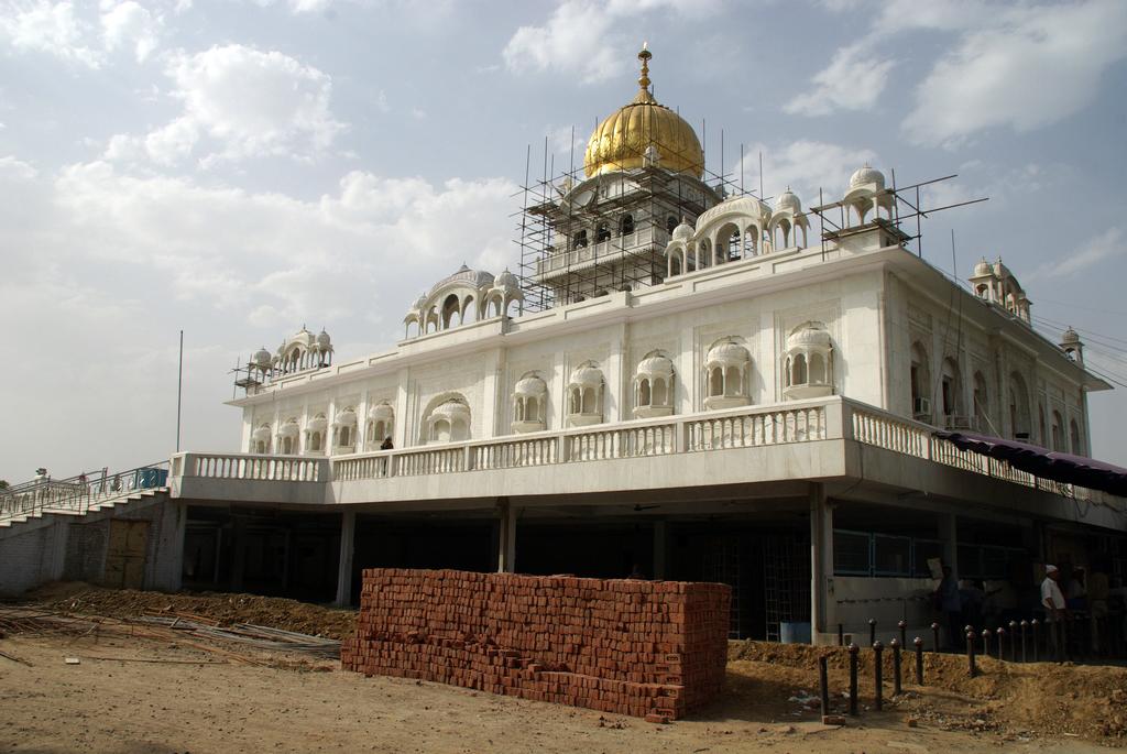Beaucoup de temples sont en construction en Inde