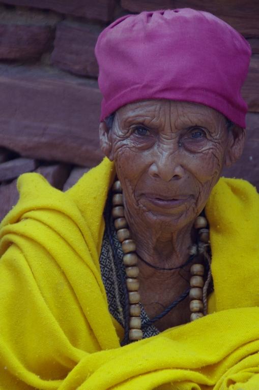 En Ethiopie, l'univers religieux est essentiellement masculin, pourtant il n'est pas rare de rencontrer des religieuses à l'entrée des églises