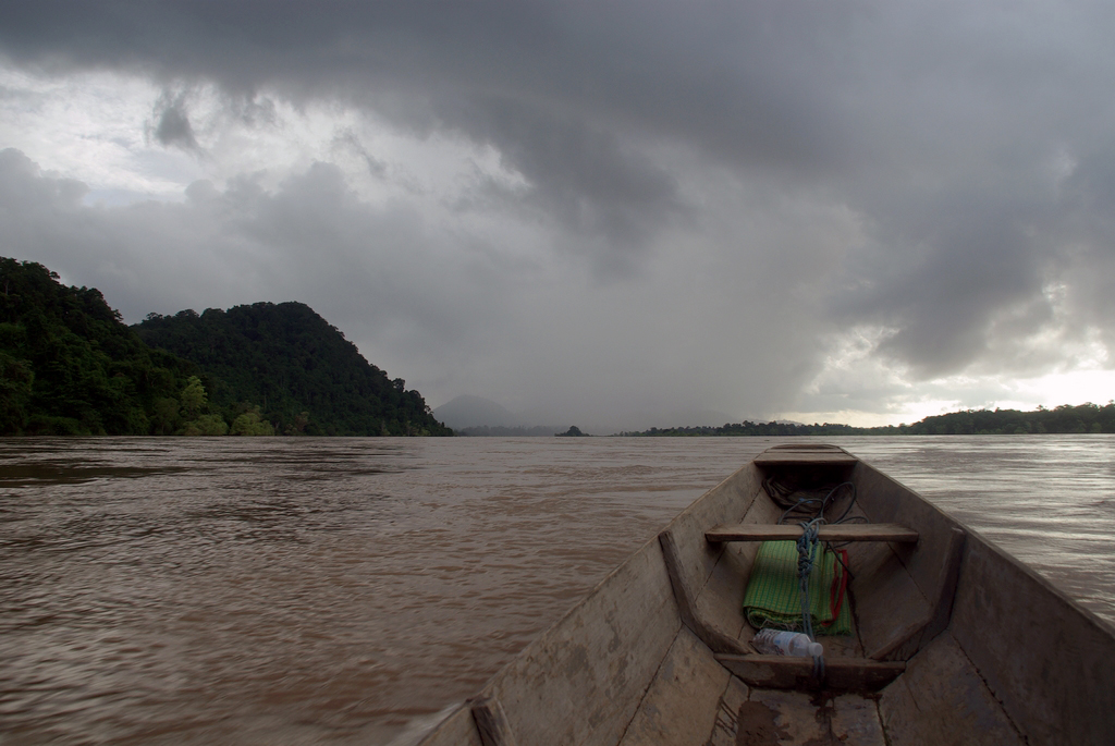 Descente du Mékong en pirogue, Laos