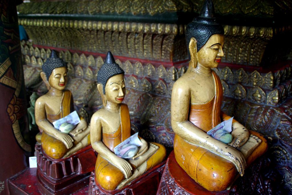 Dans un des nombreux temples de la capitale, Cambodge
