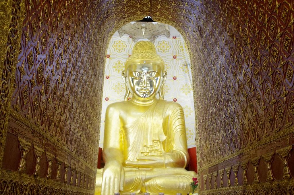 Un impressionant Boudha - Mandalay