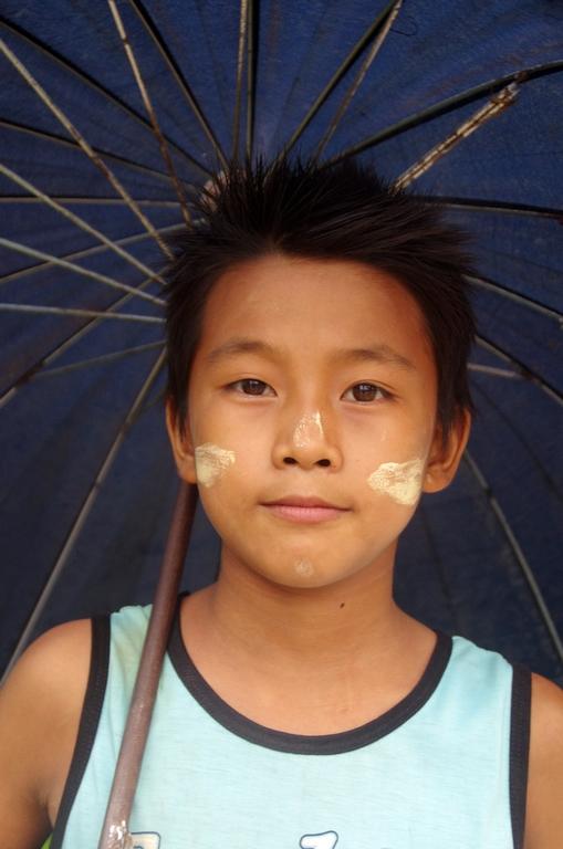 Avec la pluie, le parapluie devient un accessoire indispensable - Hipsaw