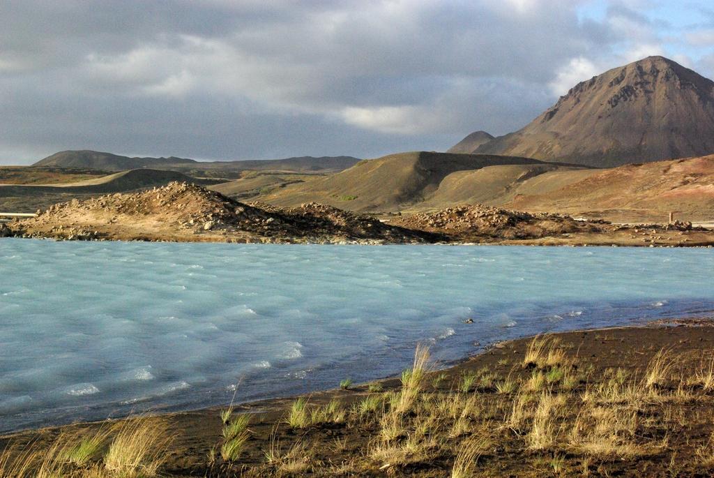 Une eau très souffrée dans laquelle il est interdit de se baigner - Islande