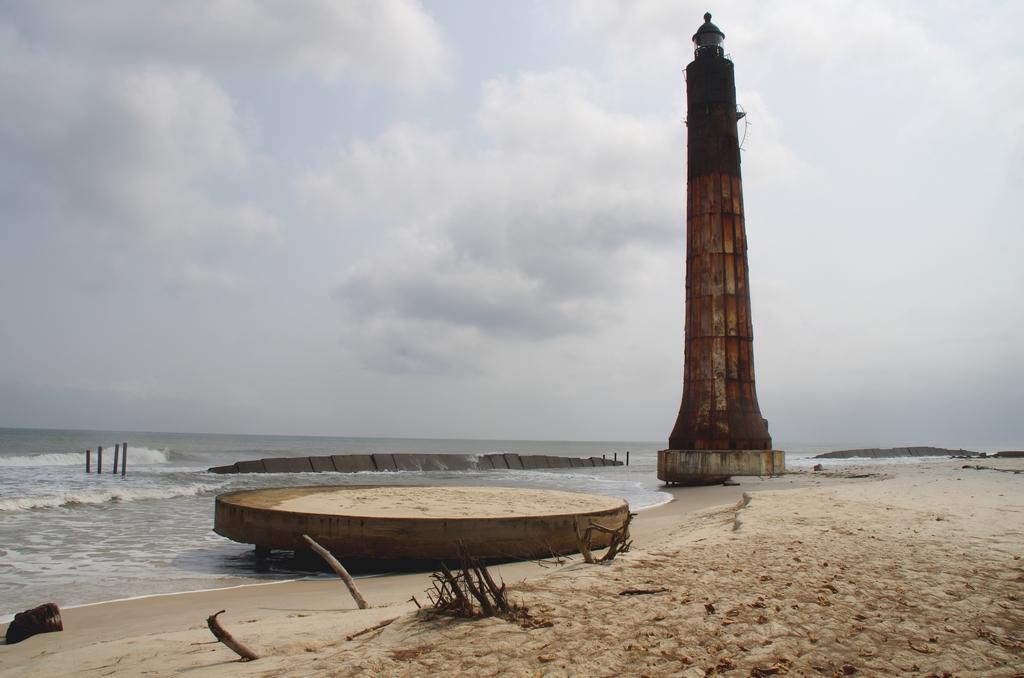 Erosion de la côte - Port-Gentil,  Gabon