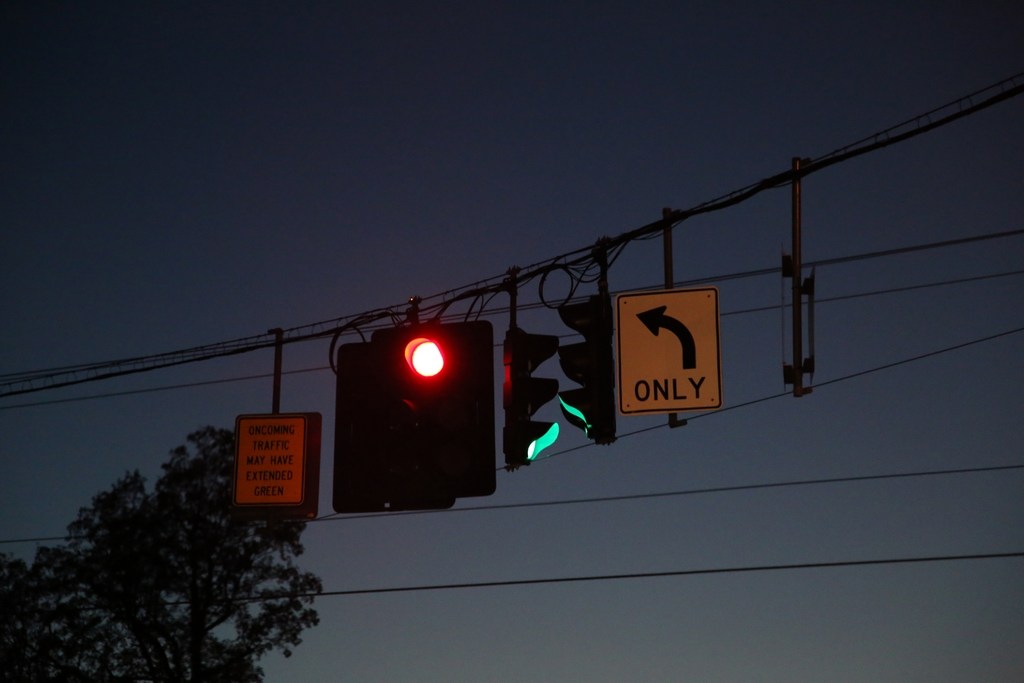 Comprendre la signalisation au Québec demande parfois un peu de réflexion
