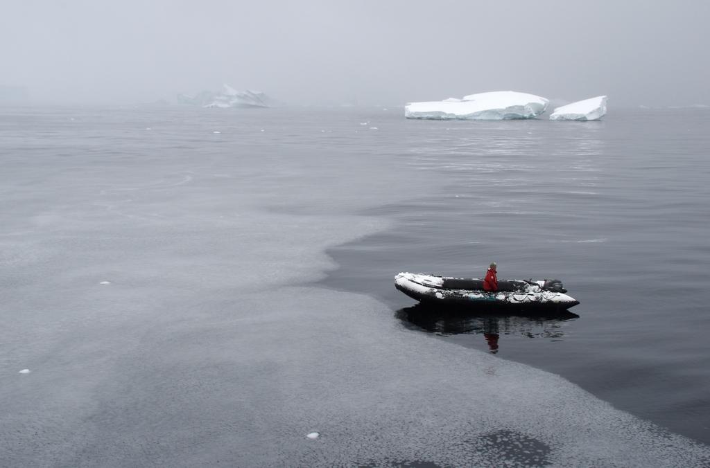 L'océan commence à geler, dans quelques semaines, il sera impossible de naviguer dans ce secteur